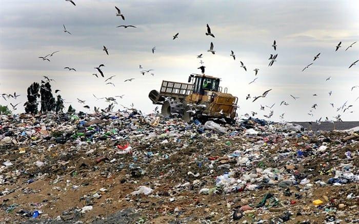 زباله در کنار فرودگاه امام خمینی