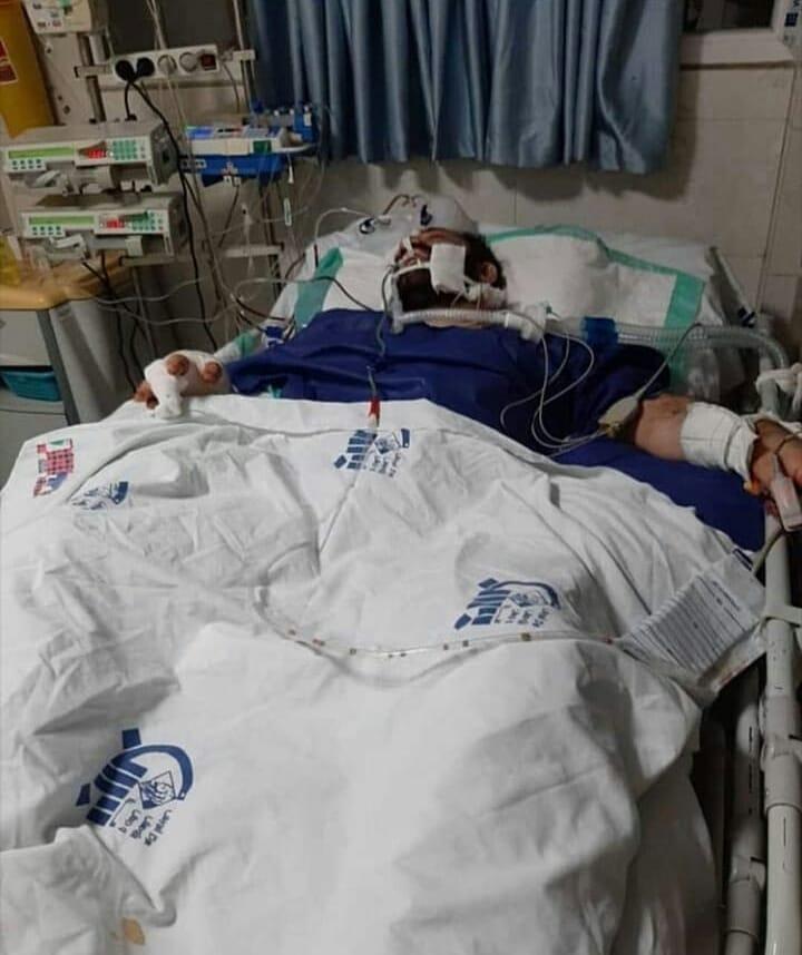 هانی کرده روی تخت بیمارستان
