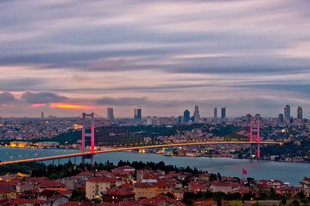 مشهد یا استانبول