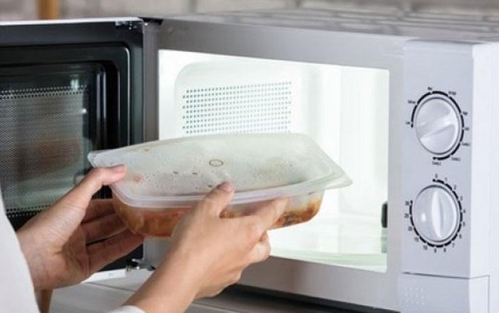 ظروف پلاستیکی در مایکروفر
