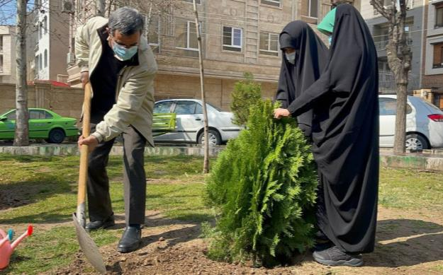 درخت کاری احمدی نژاد