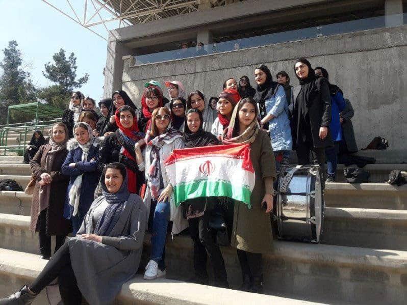 مهناز افشار با زنان ملی پوش فوتبال